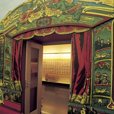 Acceso a una sala del Museo del Juguete de Catalunya.  (Imagen M.A.S.)