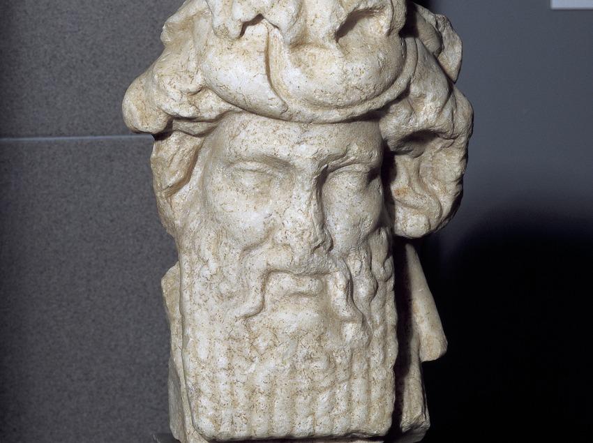 Busto en mármol de Dionisio-Baco. Museo de Arqueología de Catalunya-Empúries.  (Imagen M.A.S.)