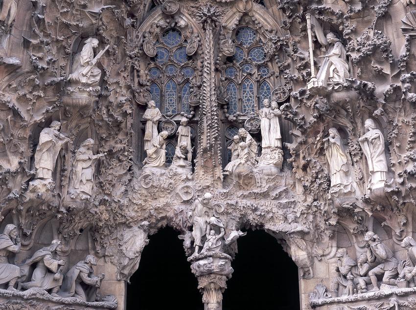 Деталь портала Любви на фасаде Рождества в Искупительном храме Святого Семейства. (Imagen M.A.S.)
