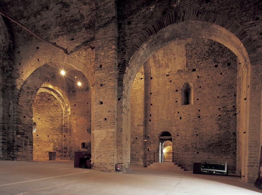 Nave central de la iglesia del monasterio de Sant Pere de Casserres (Imagen M.A.S.)