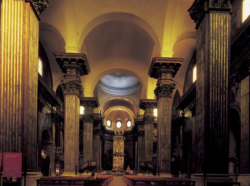 Центральный неф кафедрального собора Святого Петра. (Imagen M.A.S.)