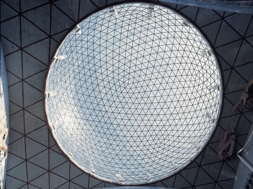 Cúpula del pati central del Teatre-Museu Dalí.  (Imagen M.A.S.)