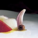 Esqueixada de bacalao (ensalada de bacalao desmigado).  (Imagen M.A.S.)