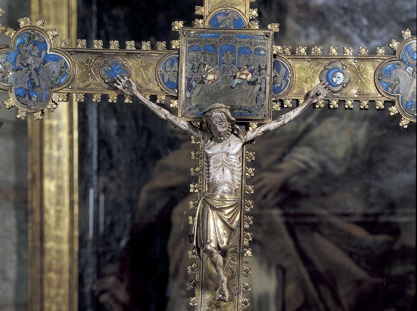 Creu processional en plata i esmalt (segle XIV). Tresor de la Catedral de Girona.  (Imagen M.A.S.)