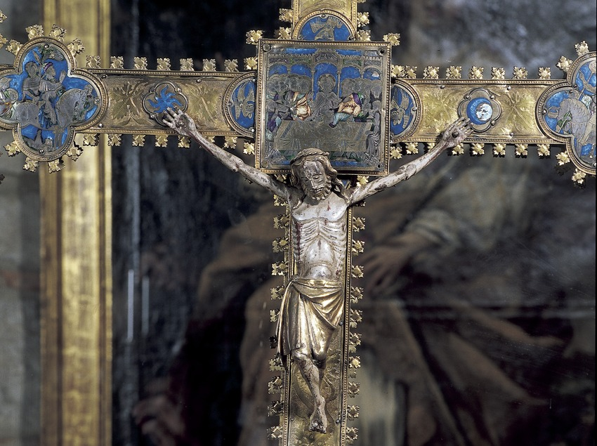 Processional cross in silver and enamelwork (14th century). Girona Cathedral treasure.  (Imagen M.A.S.)