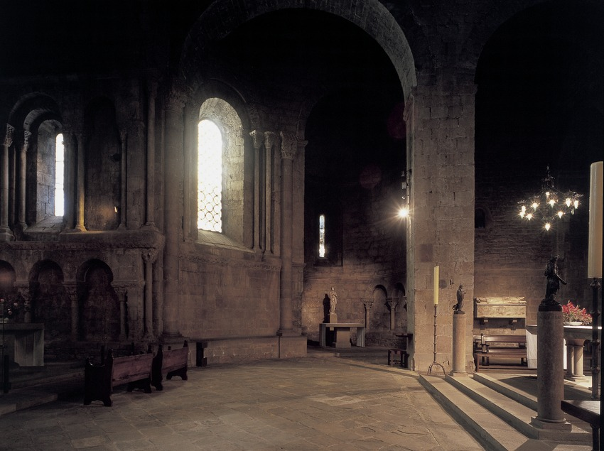 Transept of the church of Sant Joan de les Abedesses monastery  (Imagen M.A.S.)