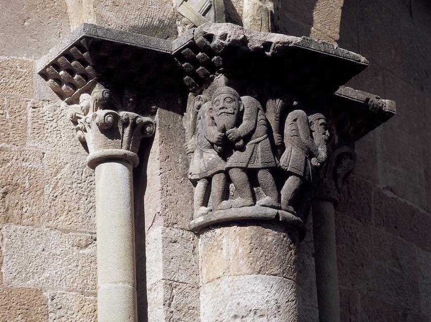 Capitell de la portalada de l'església del monestir de Sant Joan de les Abadesses  (Imagen M.A.S.)