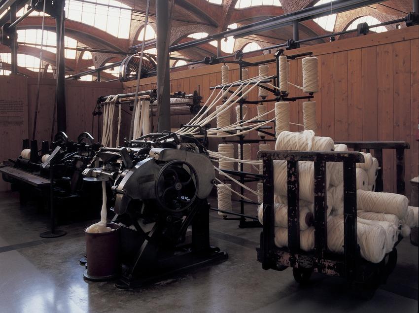Reconstitution d'un métier à tisser mécanique au Musée de la science et de la technique de Catalogne (MNACTEC).  (Imagen M.A.S.)