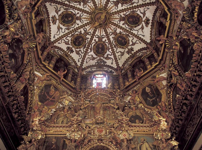 Capilla y retablo de San Benito (siglo XVII). Monasterio de Sant Cugat d'Octavià  (Imagen M.A.S.)