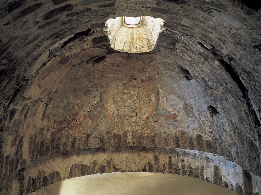 Pinturas murales (siglo XII) del ábside lateral de la iglesia del monasterio de Sant Quirze de Colera  (Imagen M.A.S.)