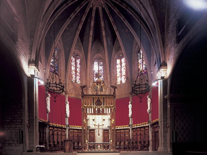 Presbiterio y altar de la catedral.  (Imagen M.A.S.)