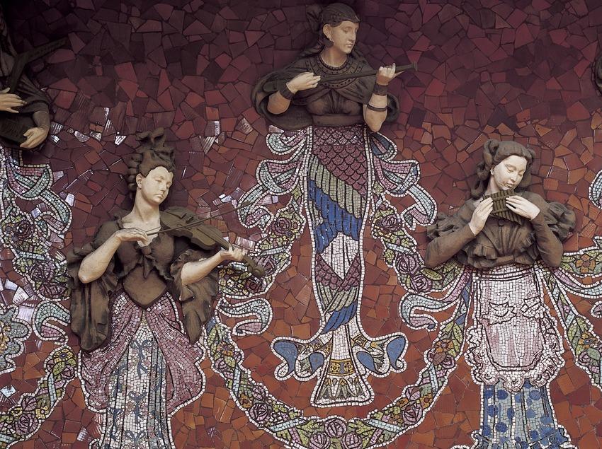 Les Muses de la Música, obra d'Eusebi Arnau i Lluís Bru, del Palau de la Música Catalana de Domènech i Montaner.  (Imagen M.A.S.)
