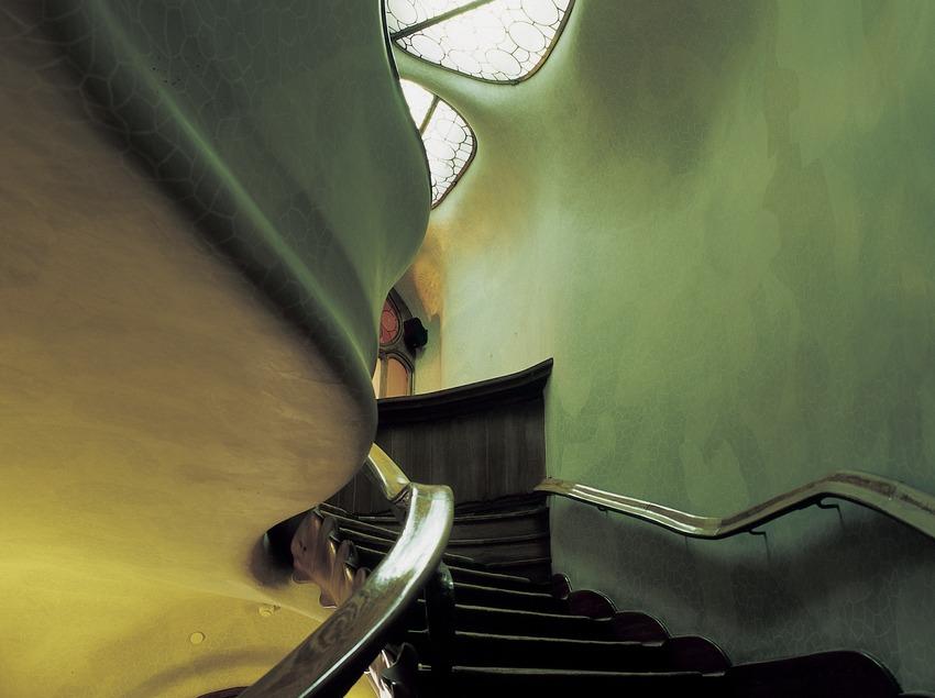 Escalera de la Casa Batlló de Antoni Gaudí.  (Imagen M.A.S.)