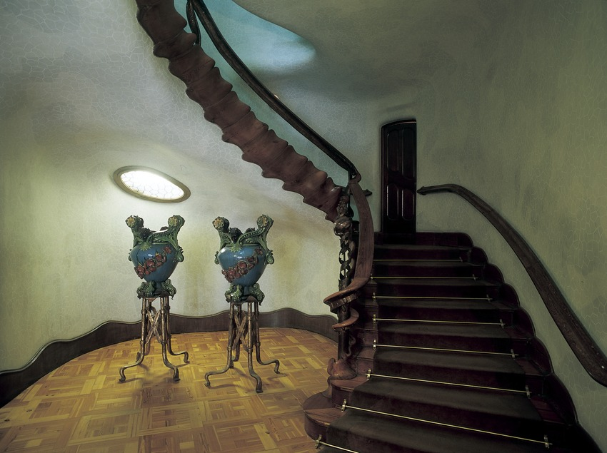 Escala de la Casa Batlló d'Antoni Gaudí.  (Imagen M.A.S.)