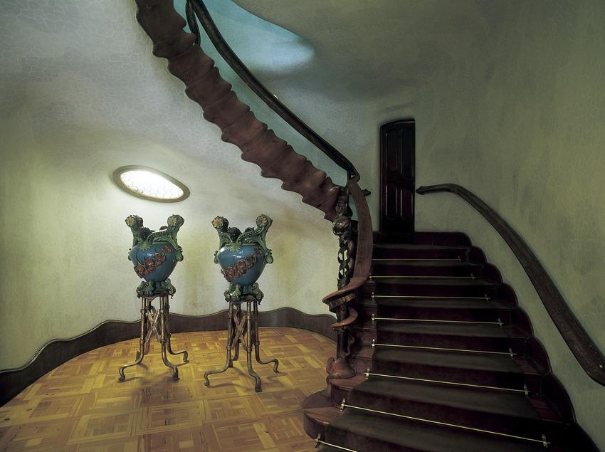 Staircase of Antoni Gaudí's Casa Batlló.  (Imagen M.A.S.)