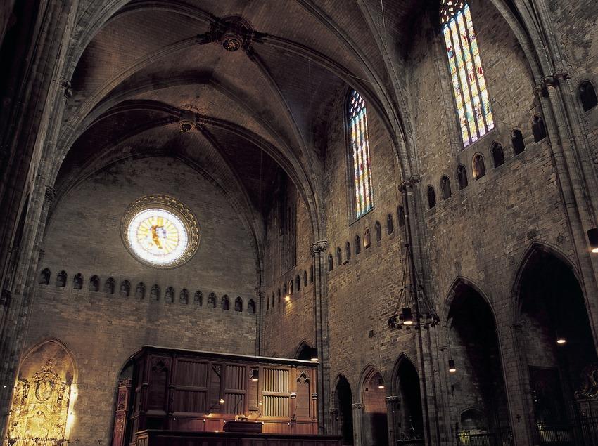 Part posterior de la nau central catedral de Santa Maria.  (Imagen M.A.S.)