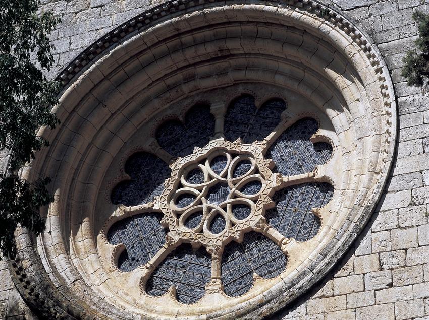 Rosetón de la iglesia del Real Monasterio de Santes Creus  (Imagen M.A.S.)