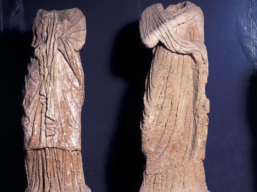 Estatuas (siglo III d.C.) procedentes de la necrópolis paleocristiana. Museo Nacional Arqueológico de Tarragona.  (Imagen M.A.S.)