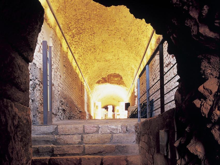 Criptopòrtic de la torre de l'antiga Audiència.  (Imagen M.A.S.)