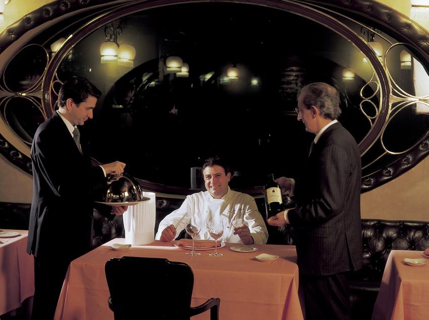 Josep Monge, Josep Monge Jr. i José Muniesa, xefs del restaurant Via Veneto. (Imagen M.A.S.)