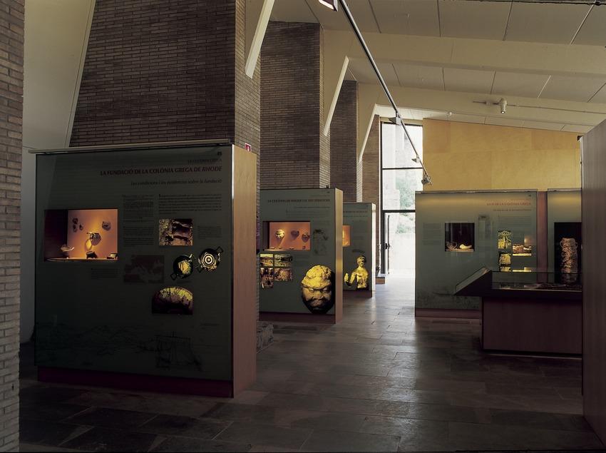 Sala del museo de la Ciutadella de Roses.  (Imagen M.A.S.)