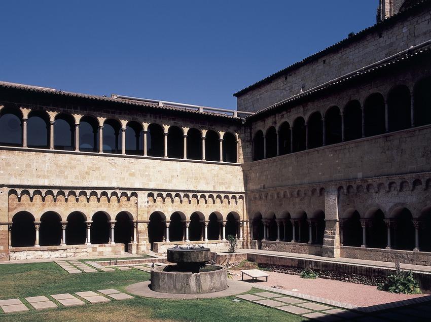 Claustro del monasterio de Sant Cugat d'Octavià  (Imagen M.A.S.)