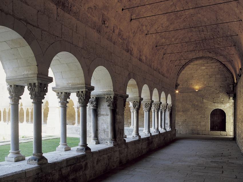 Ala del claustro del monasterio de Sant Cugat d'Octavià  (Imagen M.A.S.)