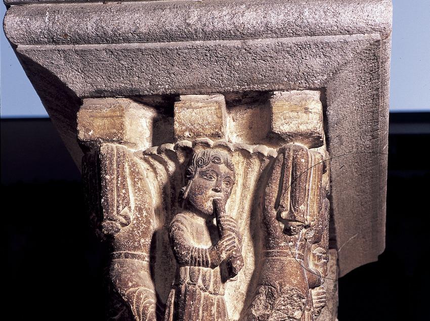 Capitell del claustre (segle XII). Arnau Cadell. Monestir de Sant Cugat d'Octavià  (Imagen M.A.S.)