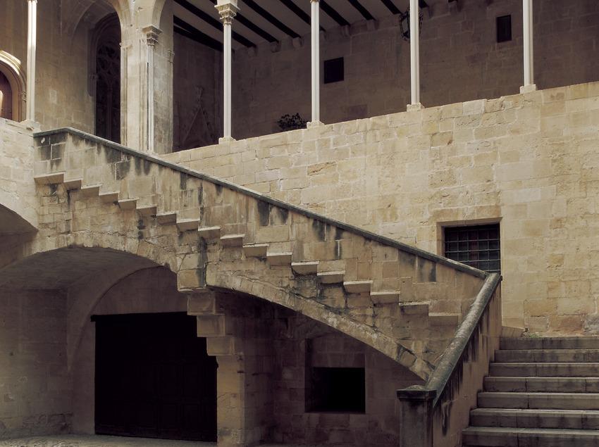 Patio du palais épiscopal.  (Imagen M.A.S.)