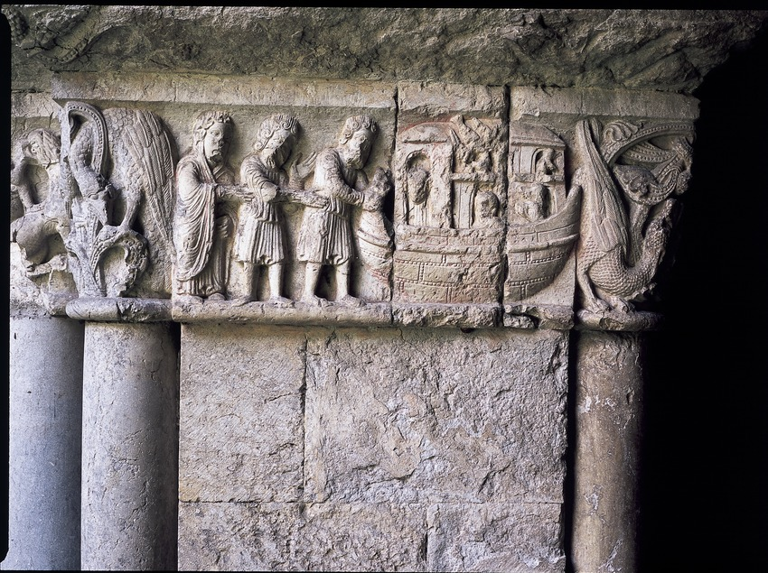 Friso románico con escenas del Antiguo Testamento del claustro de la catedral de Santa Maria.  (Imagen M.A.S.)