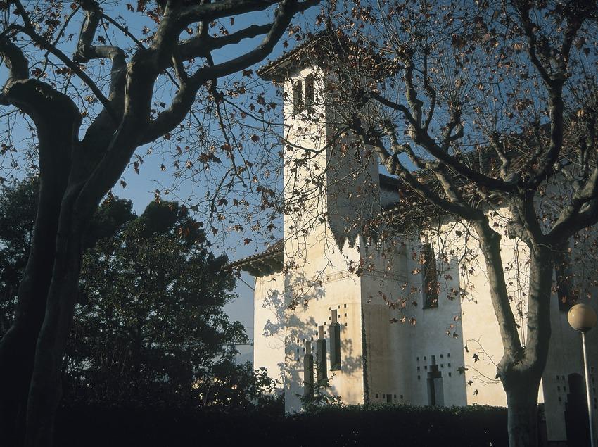 Modernist tower on L'Illa Raspall  (Servicios Editoriales Georama)