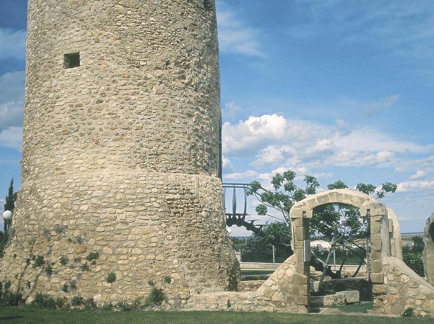 Castle or tower of Camarles built on an ancient farmstead  (Servicios Editoriales Georama)
