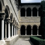 Courtyard of the cloister of Santa Maria de Ripoll monastery.  (Imagen M.A.S.)
