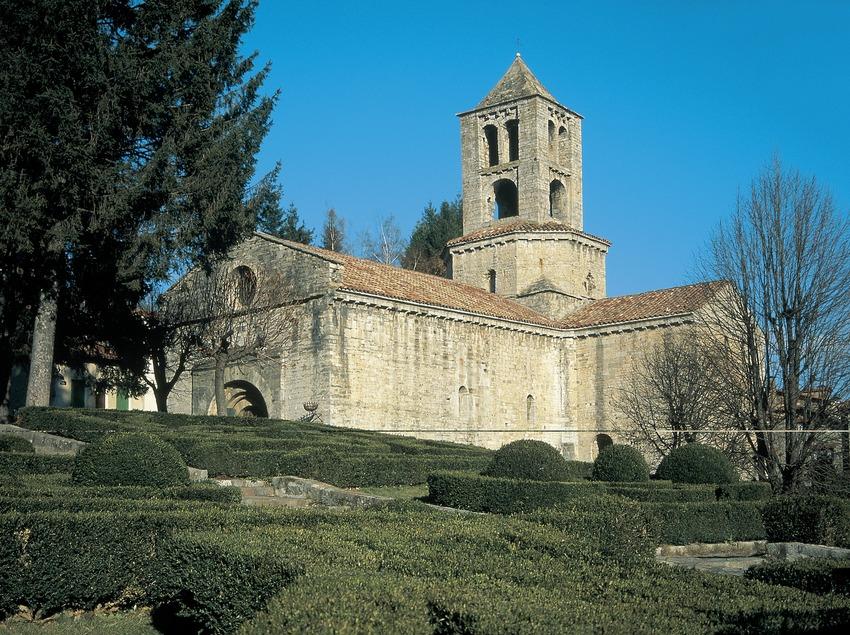 Monasterio románico de Sant Pere