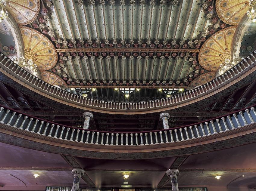 Vista posterior de l'interior del Palau de la Música Catalana de Domènech i Montaner.  (Imagen M.A.S.)