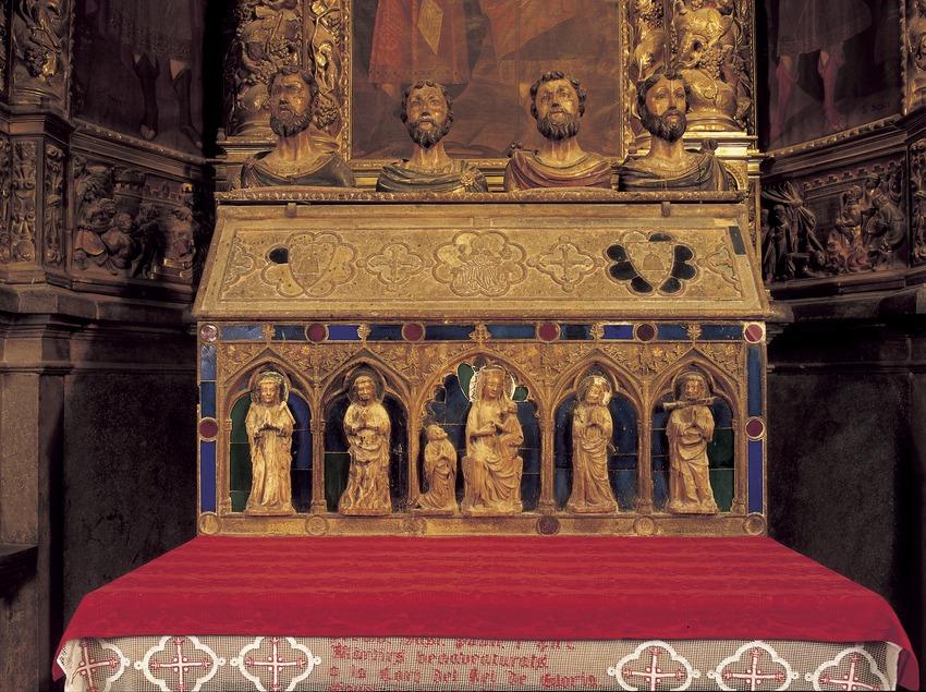 Urna (1300) i retaule (1679) dels Quatre Sants Màrtirs. Catedral de Santa Maria.  (Imagen M.A.S.)