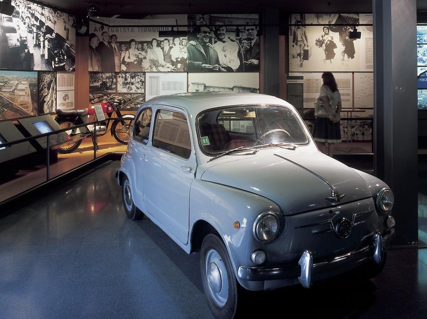Model d'automòbil sis-cents. Museu d'Història de Catalunya.  (Imagen M.A.S.)