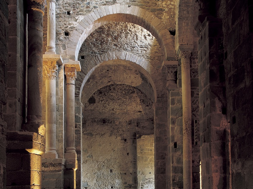 Nave of Sant Pere de Rodes monastery