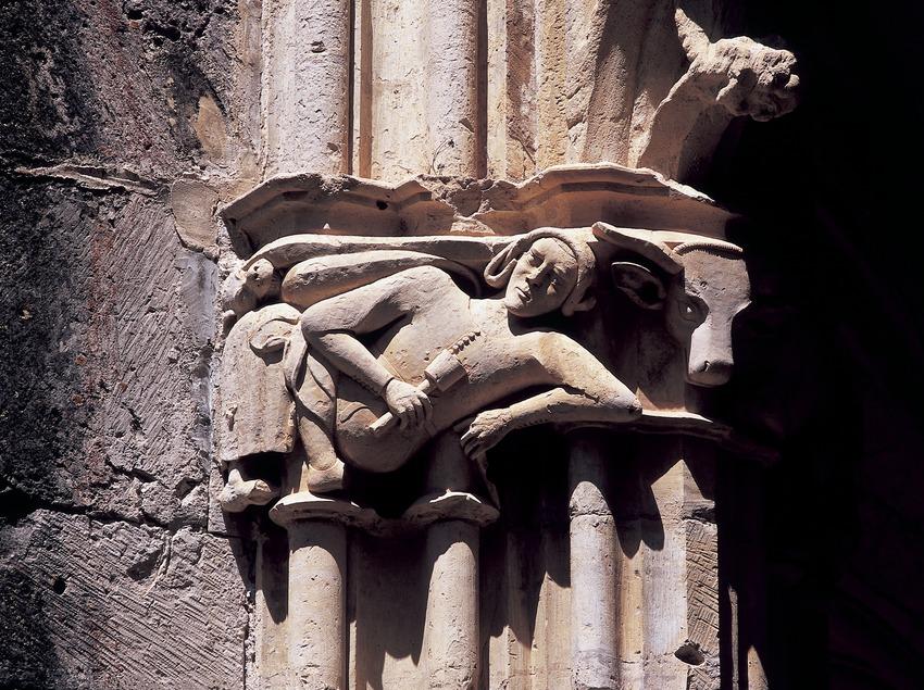 Capiteles del claustro del Real Monasterio de Santes Creus  (Imagen M.A.S.)