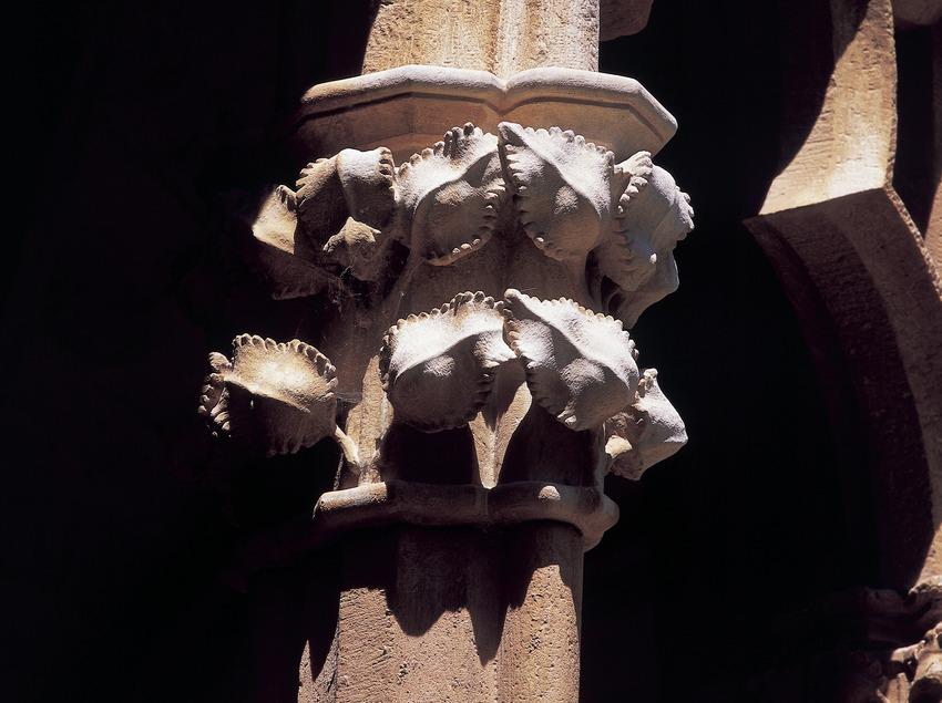 Capiteles del claustro del Real Monasterio de Santes Creus.  (Imagen M.A.S.)