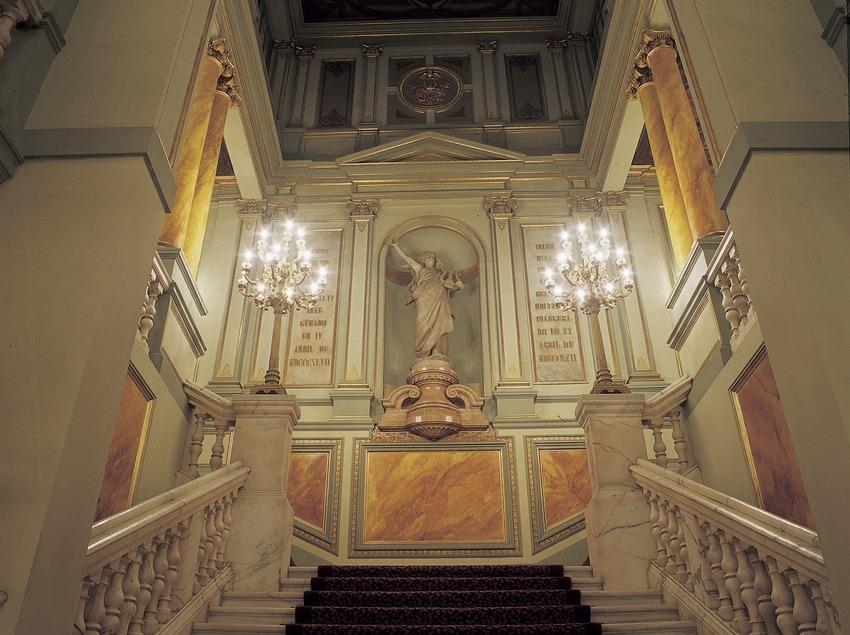 Escalera del Gran Teatre del Liceu.  (Imagen M.A.S.)