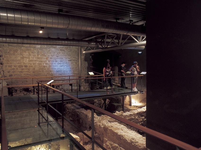 Restes arqueològiques de la ciutat romana. Museu d'Història de la Ciutat  (Imagen M.A.S.)