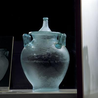 Urna cinerària (segle I-II d.C.). Museu Nacional Arqueològic de Tarragona.  (Imagen M.A.S.)