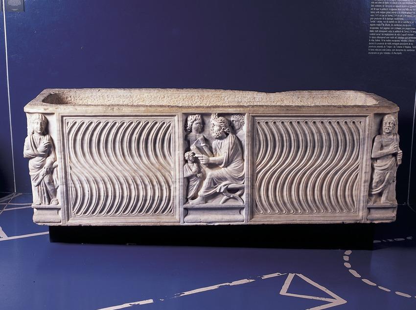 Tomba (segle III d.C.) procedent de la necròpolis paleocristiana. Museu Nacional Arqueològic de Tarragona.  (Imagen M.A.S.)