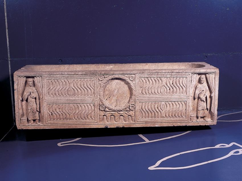 Tumba (siglo III d.C.) procedente de la necrópolis paleocristiana. Museo Nacional Arqueológico de Tarragona.  (Imagen M.A.S.)
