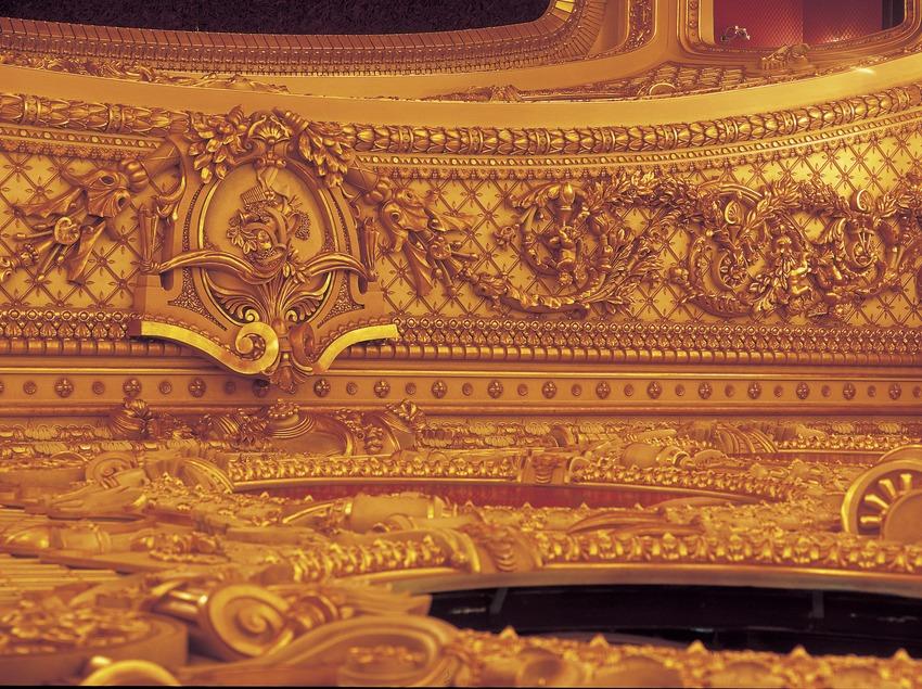 Detall ornamental de la sala del Gran Teatre del Liceu.  (Imagen M.A.S.)
