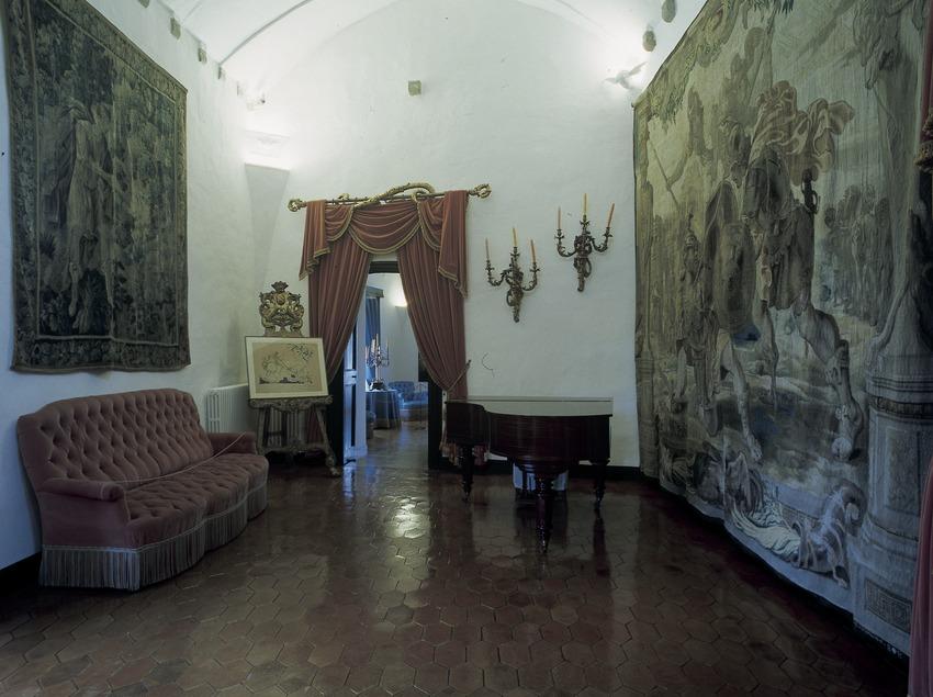 Salle du piano de la Maison–musée du château Gala Dalí de Púbol  (Imagen M.A.S.)