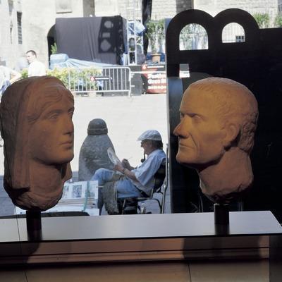 Bustos de dos barcelonins (segle I d.C.). Museu d'Història de la Ciutat.  (Imagen M.A.S.)