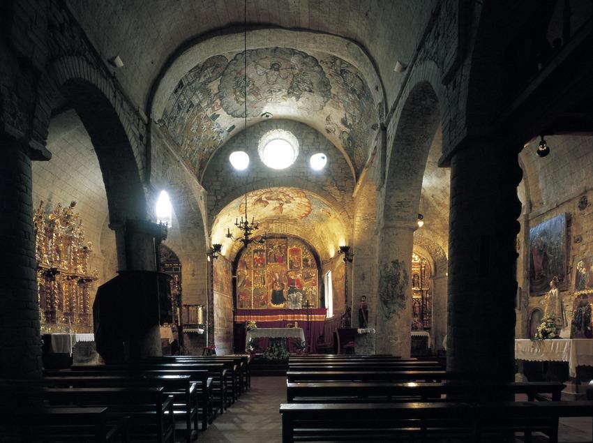 Interior de la iglesia de Santa Maria d'Arties.  (Imagen M.A.S.)