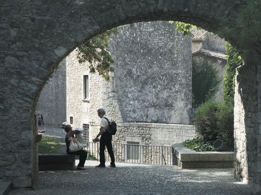 Ferran el Catòlic street  (Servicios Editoriales Georama)